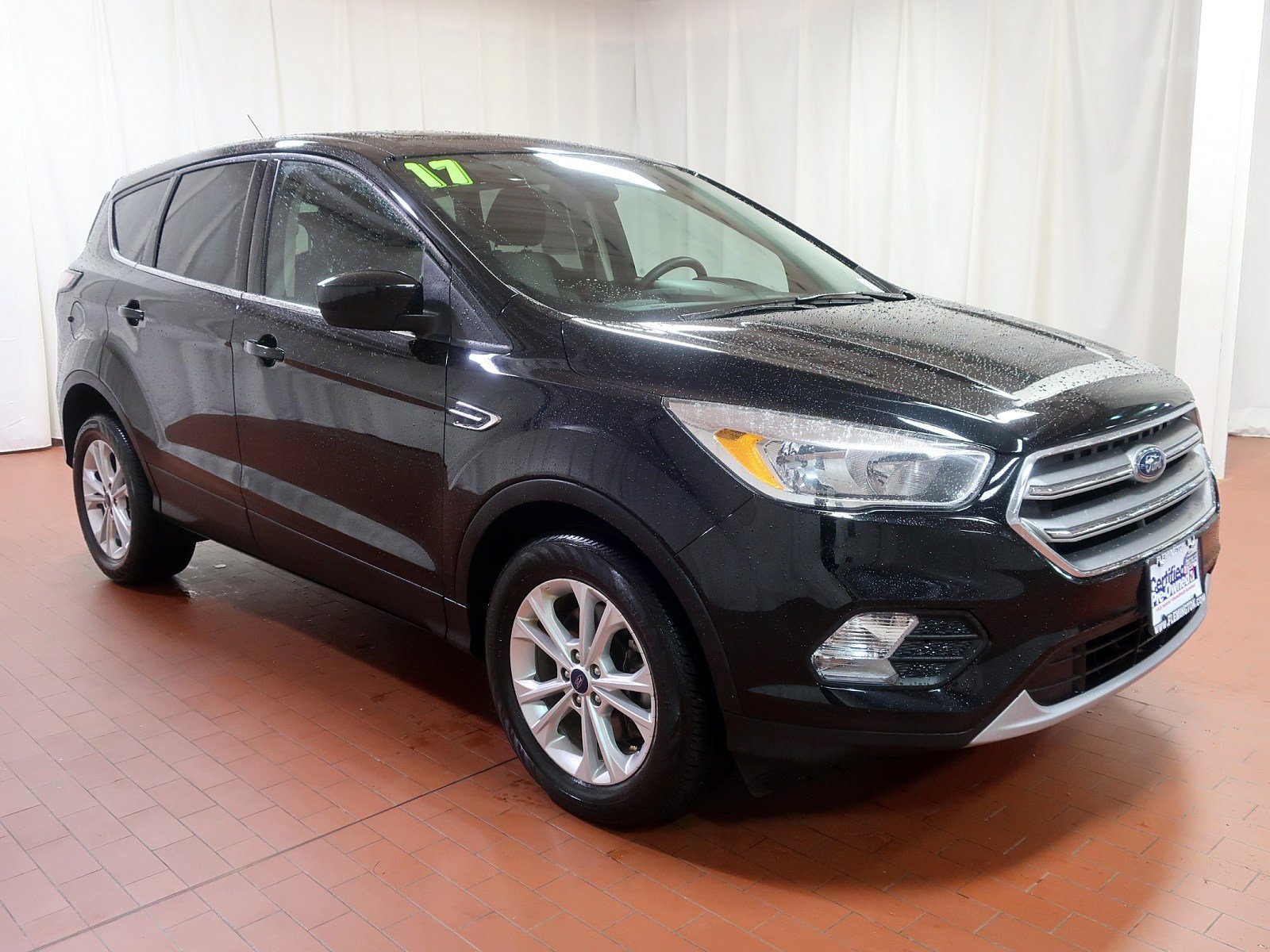 Pre owned 2017 ford escape se